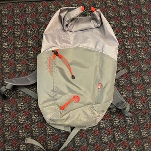 Mountain Hardwear Scrambler 20 waterproof backpack
